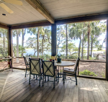 Benefits of a Screen Sunroom from Burl-Oak